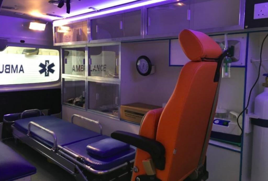 Fabricant D'ambulances Nissan Urvan Emergency Ambulance Service 1